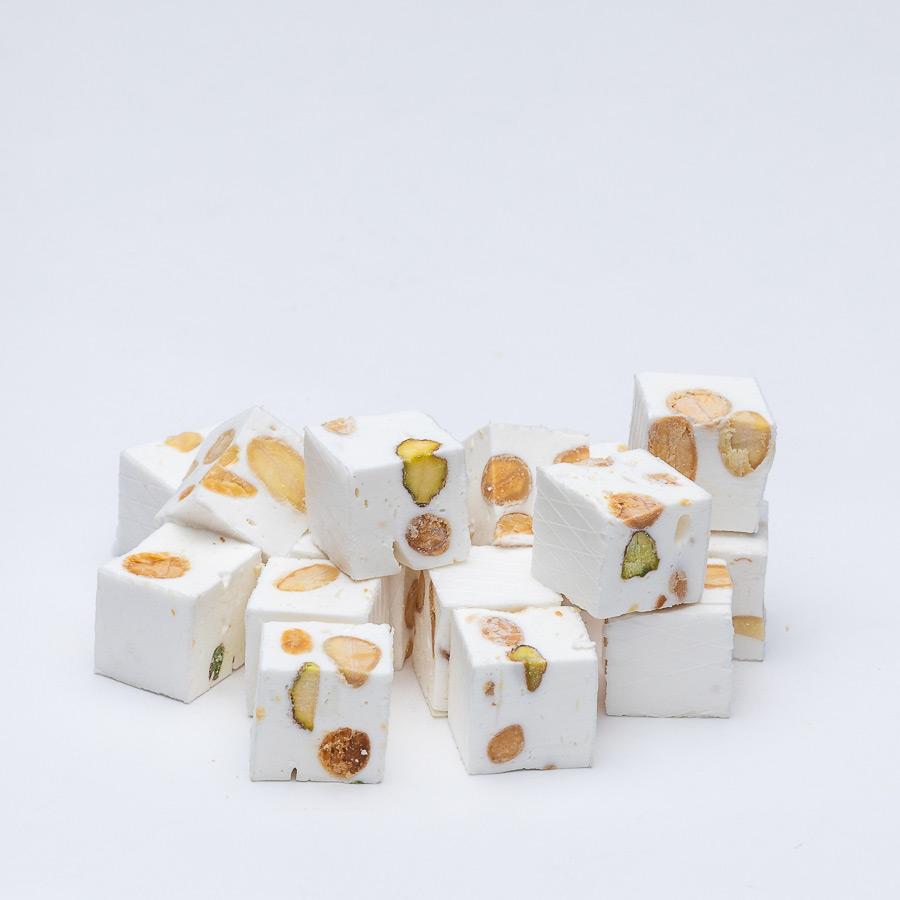 nougat cube amande